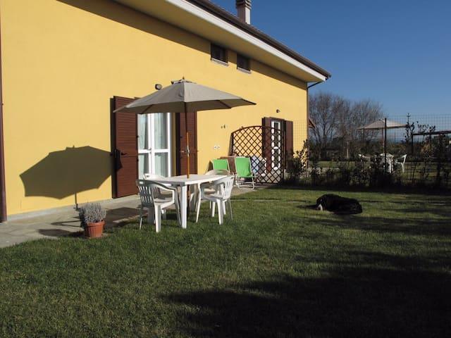 Bilocale con Giardino (Giallo) - Piombino - Apartment