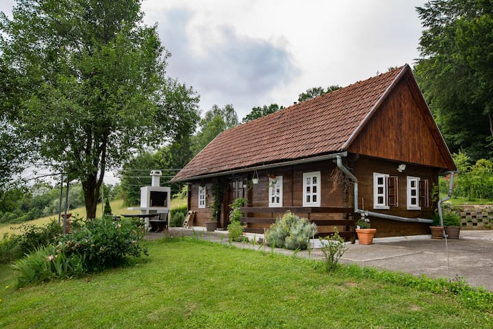 'Hizica' - small wooden house in the countryside - Velika Horvatska - Rumah