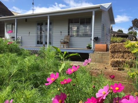 Farm Stay Retreat studio with views