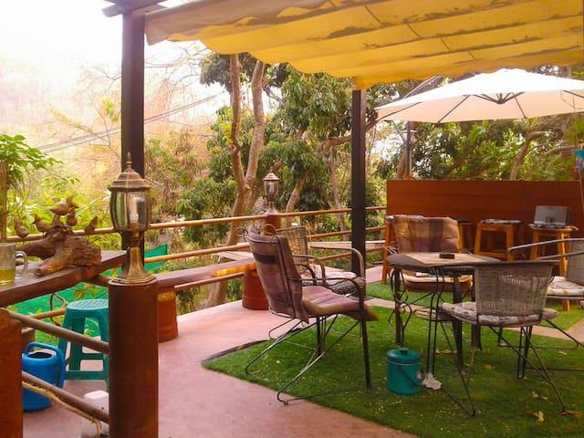 Baan Pong Mountain Cottage - Chiang Mai - Bungalow