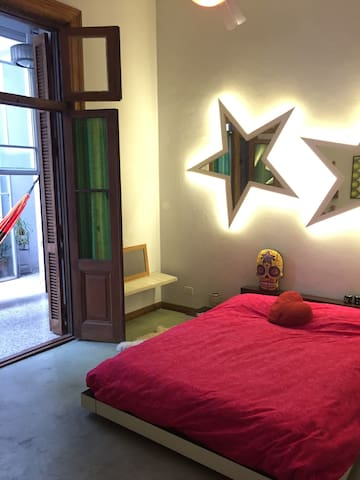 your room with double bed into a oasis of the city