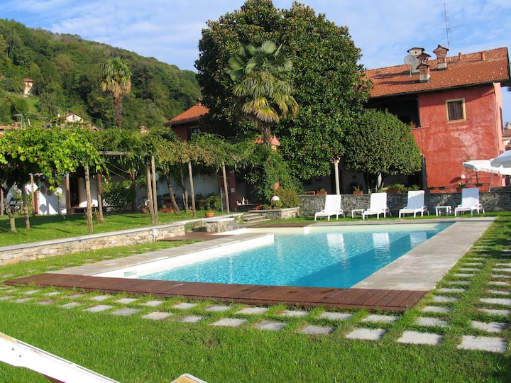 Apartment with 2 bedrooms in Massino Visconti, with wonderful lake view, shared pool, enclosed garden - 3 km from the beach