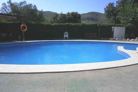 Magnifica casa con piscina y jardín de 270 m2