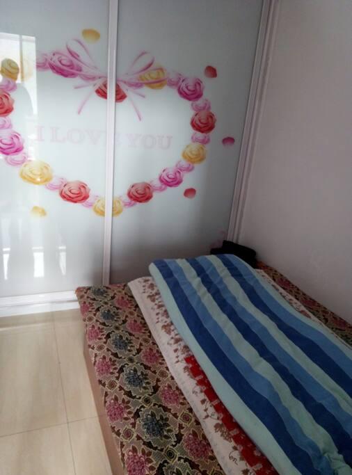 小卧室,非常适合情侣居住