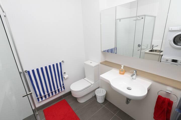 Bright, clean, new apartment - Cheltenham - Apartamento