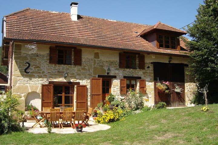 Lac d'Aiguebelette - Maison de charme en pierre