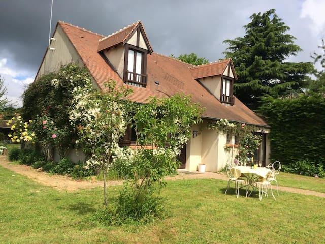 Grande maison à la campagne à 35 min de Paris - Torfou - Hus