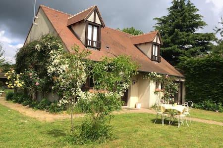 Grande maison à la campagne à 35 min de Paris - Torfou