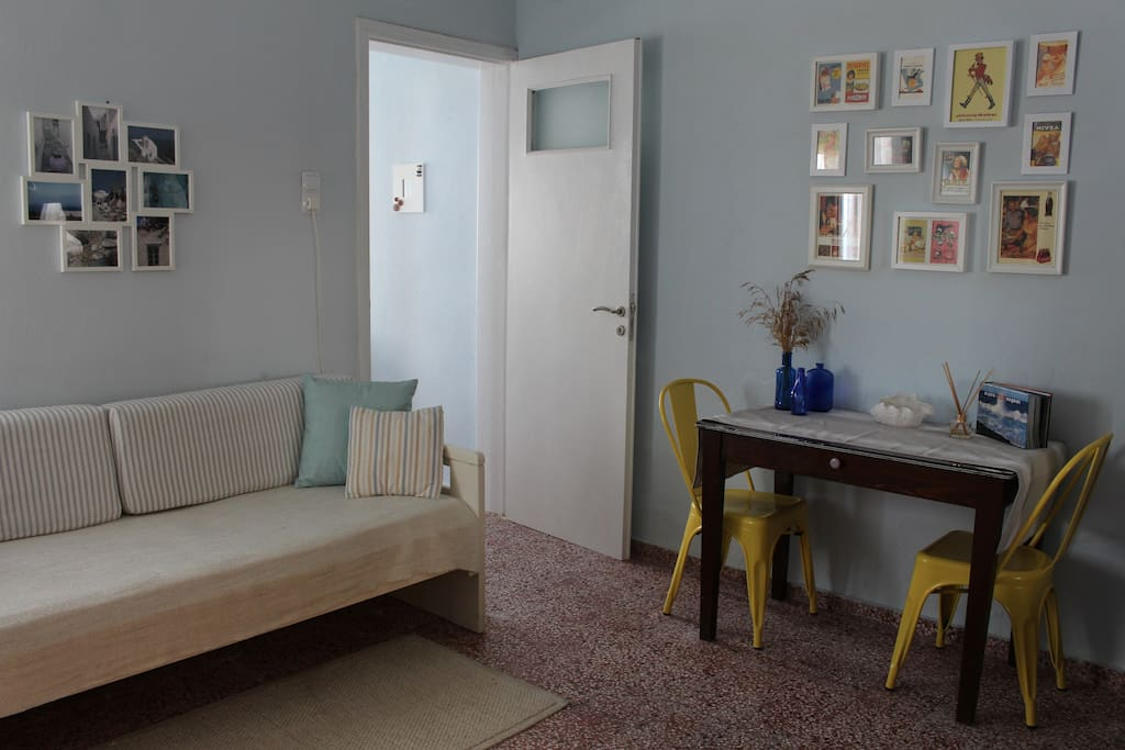 Living Room - Single Bed & Dining Table