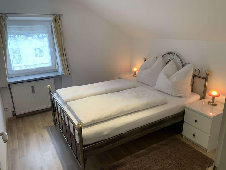 Zentrale, voll ausgestattete Wohnung in Traunreut
