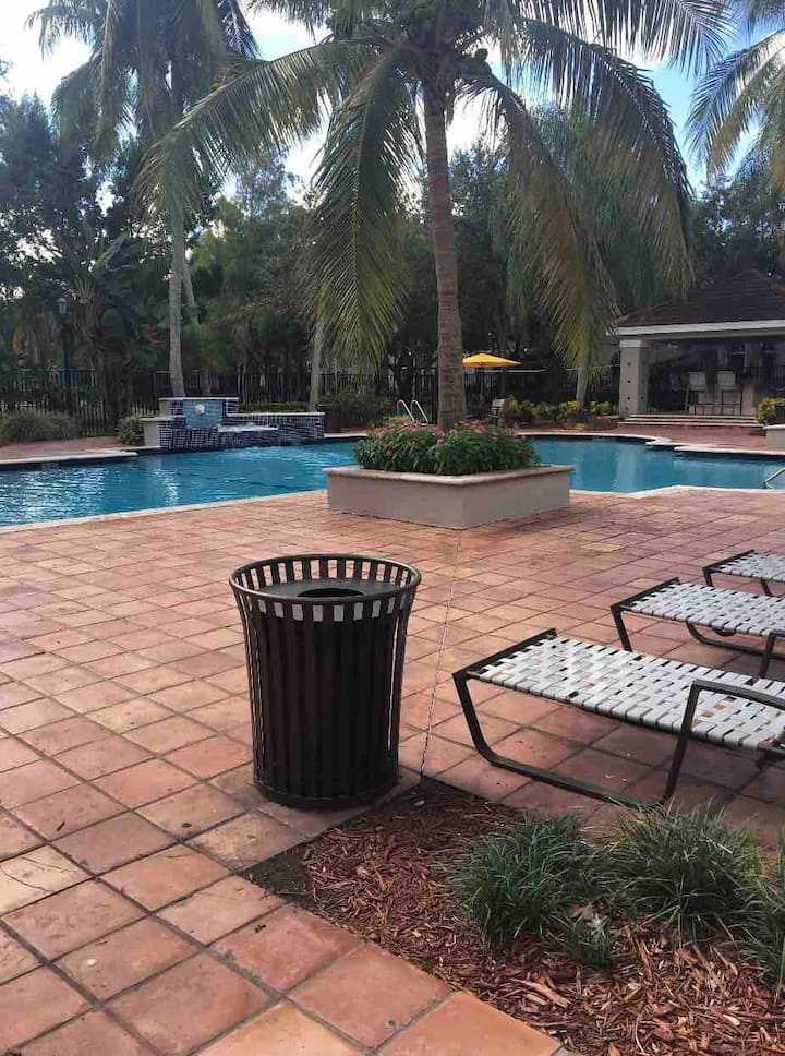 Hotel quality stay in Sunny S.Florida