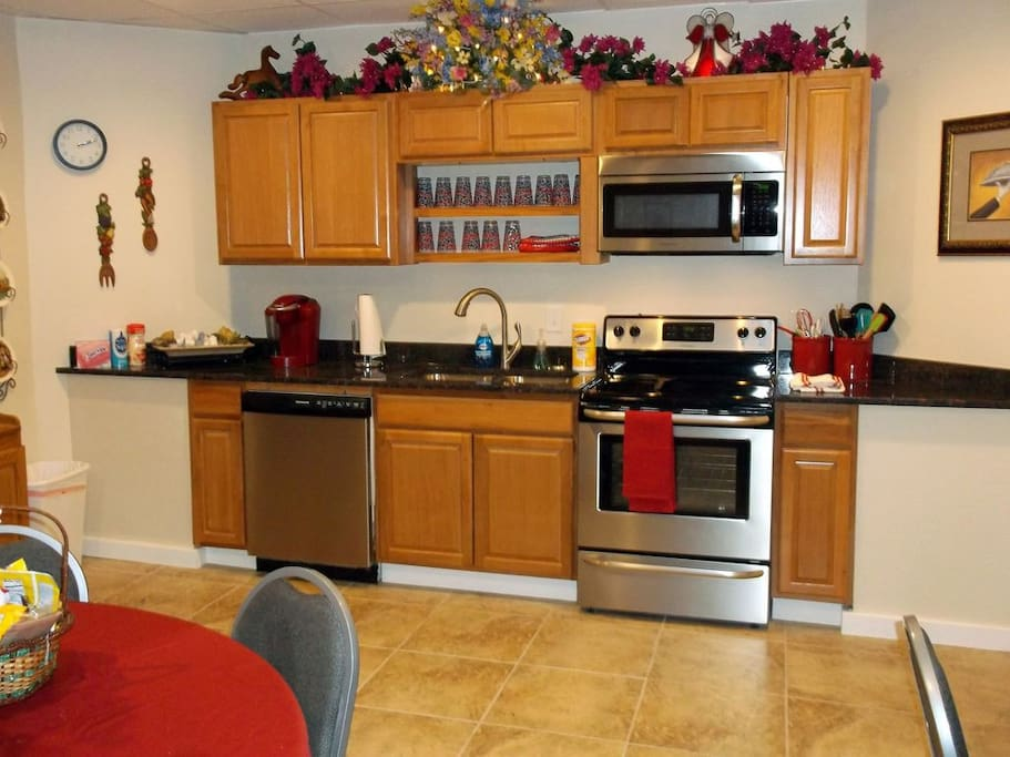 Gourmet kitchen with ceramic tile floor