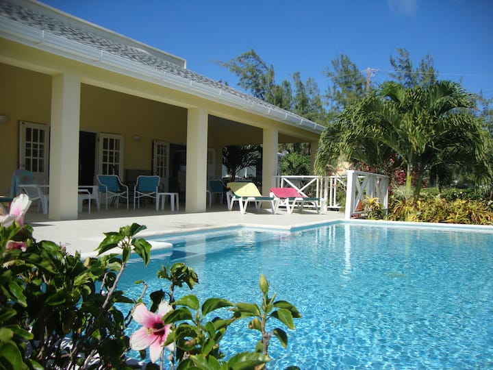 Bouttime - villa with pool - Belair, St Philip