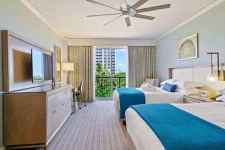 Beautiful Ocean View Ritz-Carlton Residence