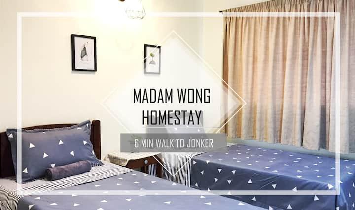 Madam Wong- Melaka (6min walk to Jonker)