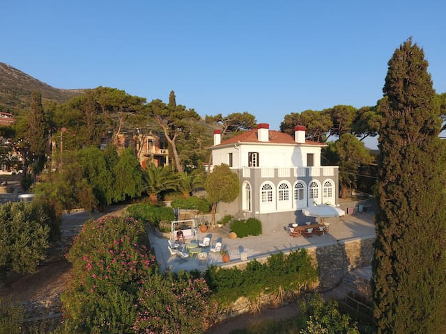 Spectacular 1925 Mansion - Samos - House