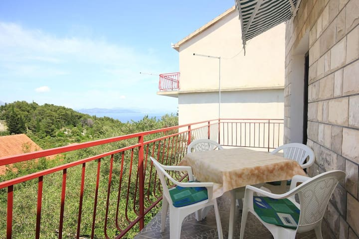 Two bedroom apartment with terrace and sea view Trpanj, Pelješac (A-10083-c)