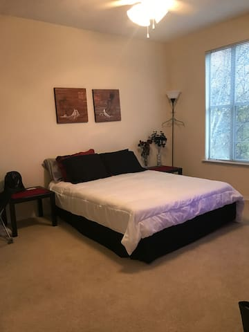 Huge Gated 3bed Vinings Apartment!! - Atlanta - Appartement