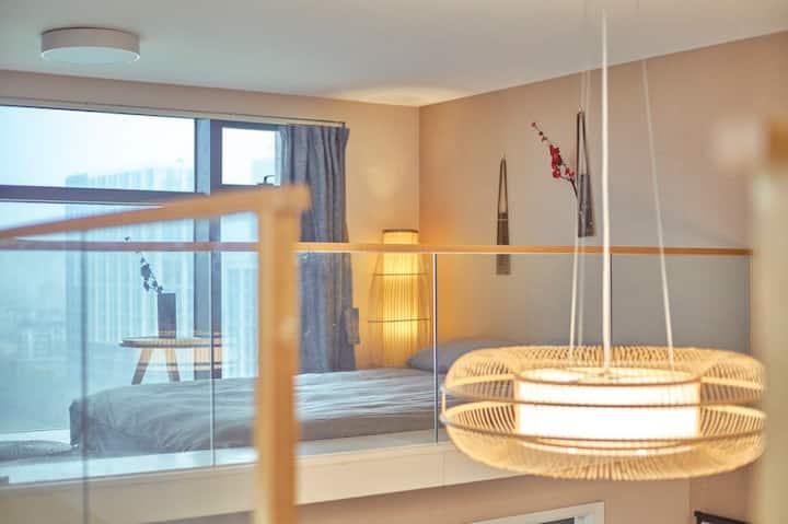 【日式loft三居室】【五号线萍水街路地铁附近】【100寸投影】【城西银泰边上】
