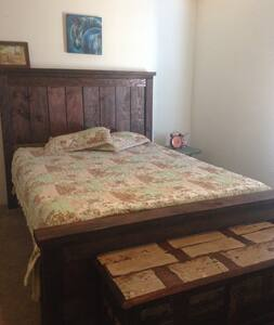 Family Ranch Bedroom - Prescott Valley