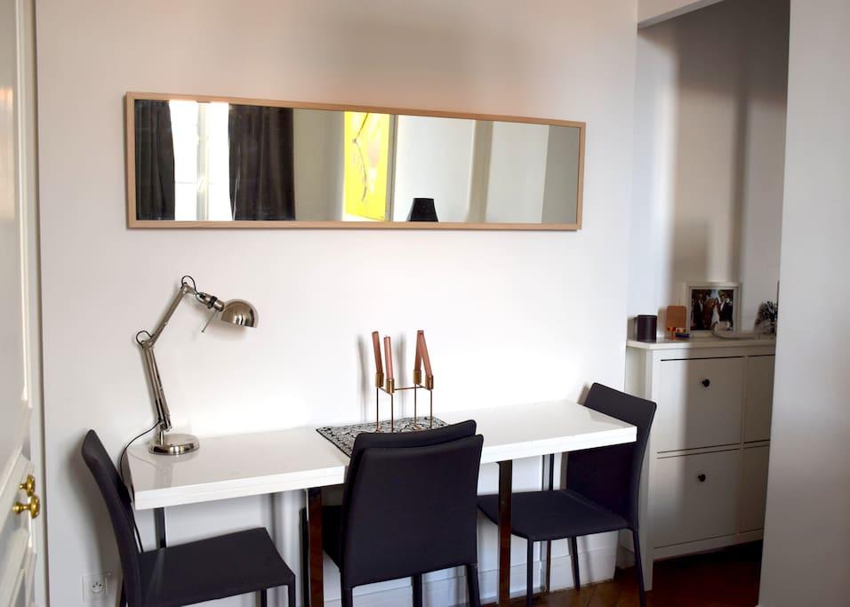 Bureau / salle manger  Table extensible pour 4 personnes