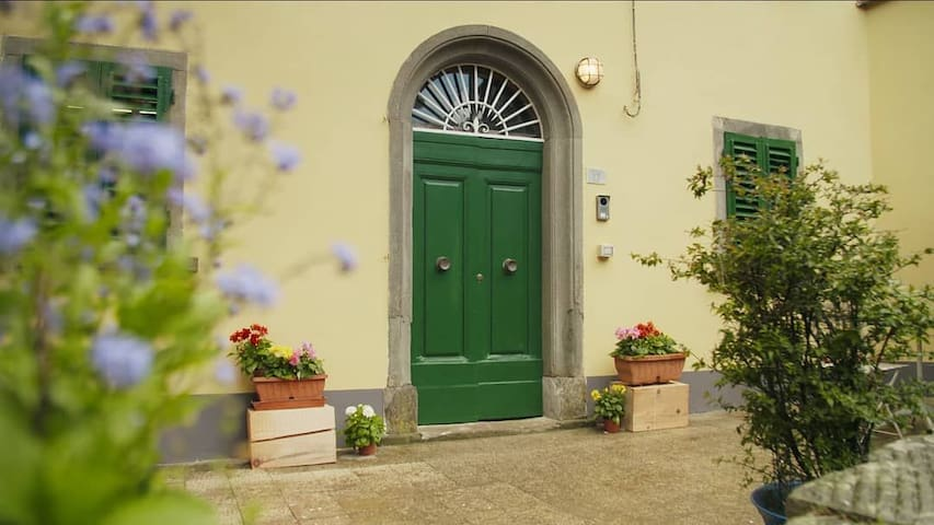 """Il Borgo Divino"" B&B Country House"