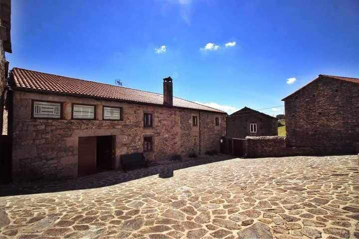 Ref. 11618 Peaceful house in countryside