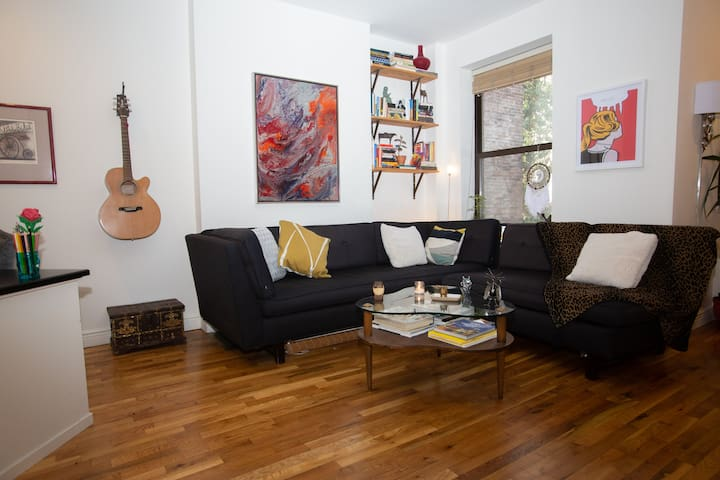 Comfortable & Sunny 1 Bdrm – Heart of Fort Greene