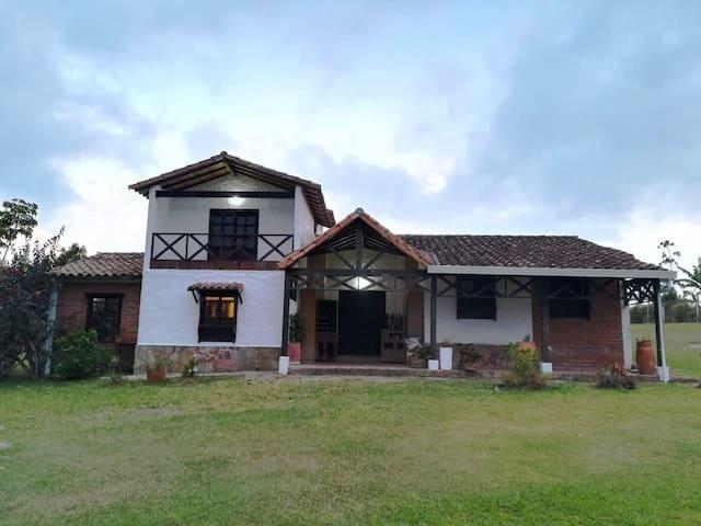 Casa Campestre en La Mesa de los Santos