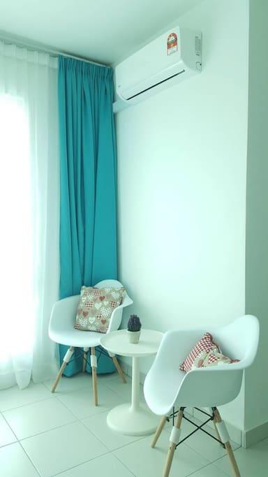Room 3: Lounge Area