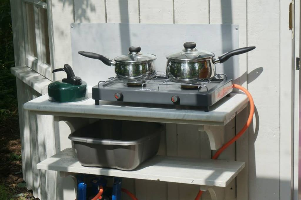 Two ring gas hob to use as well as fire pit