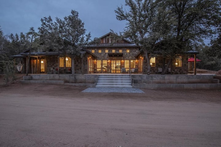 Fabulous Private Estate Bordering National Forest.