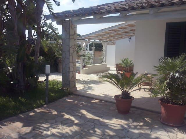 Villa San Lorenzo vicino Marzamemi - Reitani - 度假屋