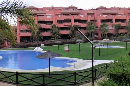 Casa en urbanización de lujo (Torrox Costa)