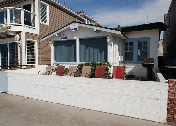 W Ocean Front (68169) - Newport Beach - Casa