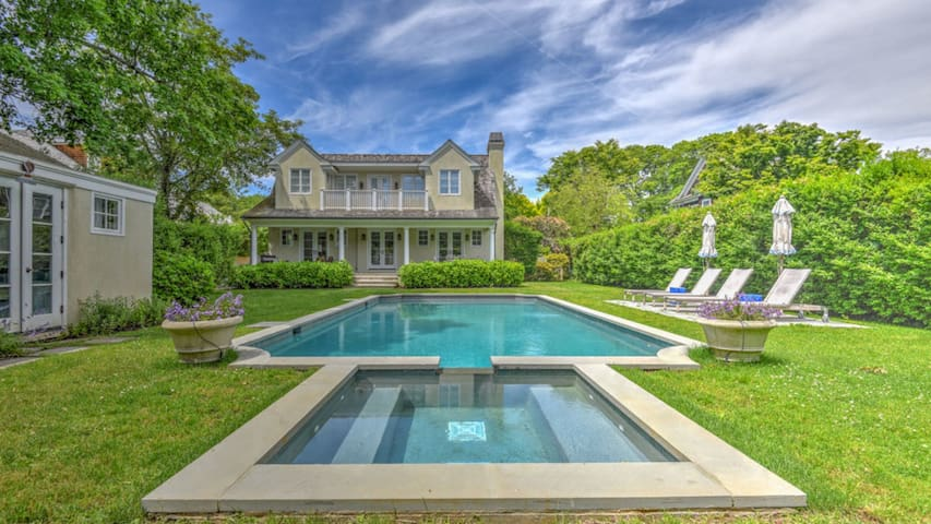 New Listing: Elegant & Modern, w/ Heated Pool, Bikes, BBQ In Village, Near Beaches
