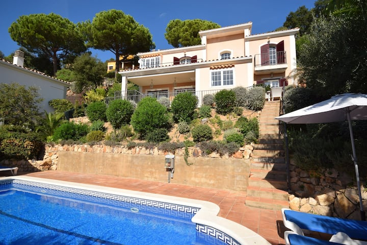 Valley-View Villa in Santa Cristina d'Aro with Pool