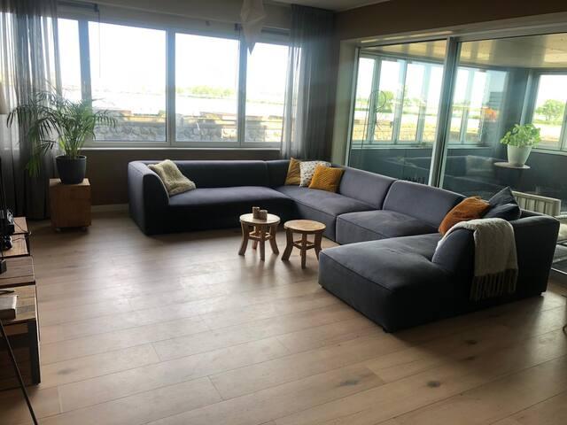 Ruim Amsterdams appartement met wijds uitzicht