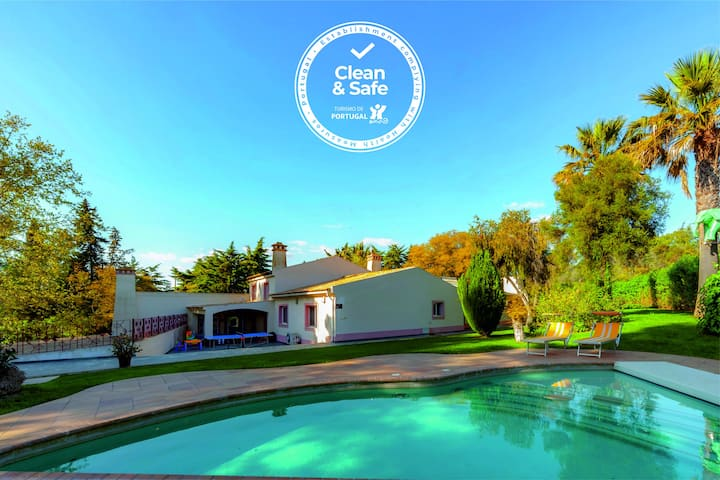 Magnificent villa in the countryside, private pool, garden and sauna