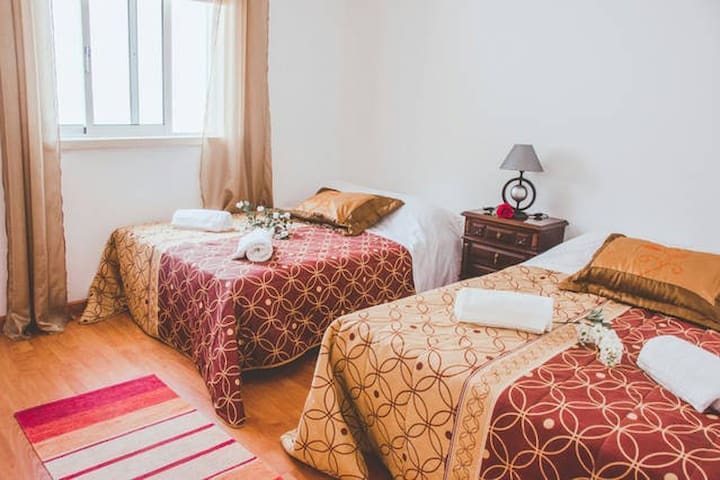 4-5 Person Private Room with Shared bathrooms - Alcobaça - Bed & Breakfast