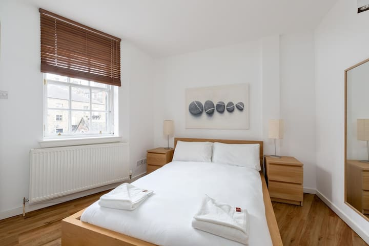 Cowgatehead - 2 Bedroom Apartment (10)