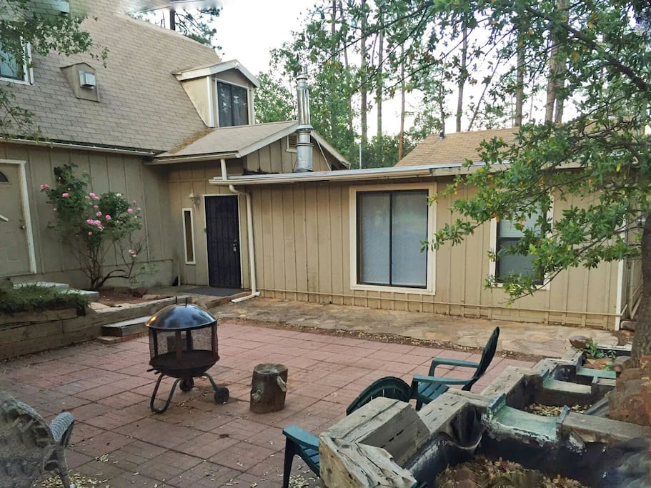 Cool Weather Cabin Retreat In Pines Cottages For Rent In