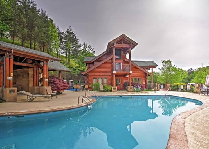 Heart of Pigeon Forge cabin*5min toDollywood*Pools