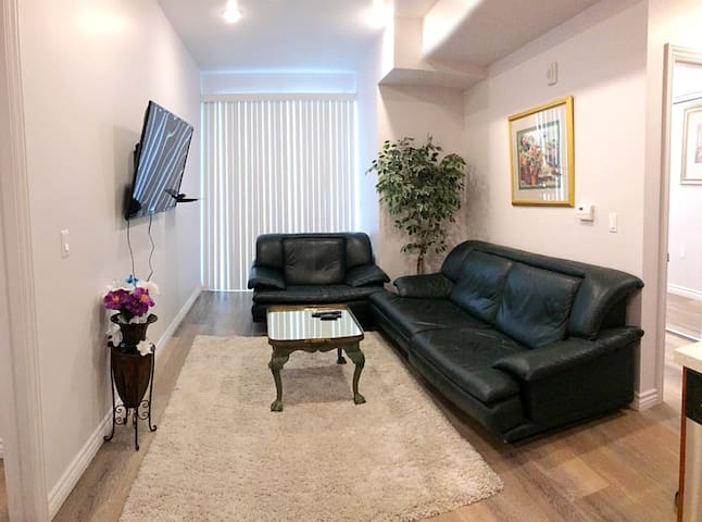 Furnished 2 Bed/2 Bath Unit With WiFi