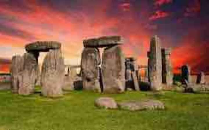 Stonehenge   *30 Plus Persons*