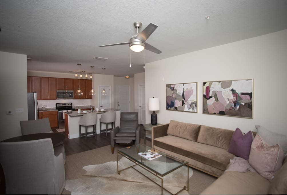 Studio, style loft.  Very cozy and intimate yet offering all the amenities in the beautiful city of Pensacola Florida.