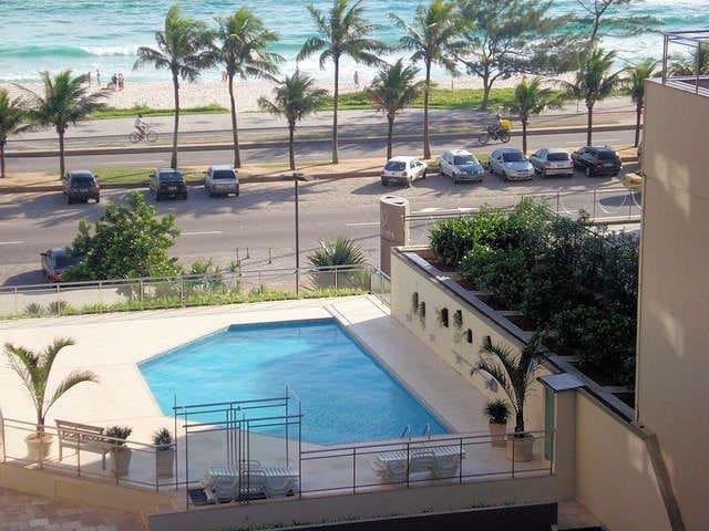 Barra Palace em frente à praia
