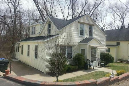 1 Private Bedroom / Shared House - Springfield - House