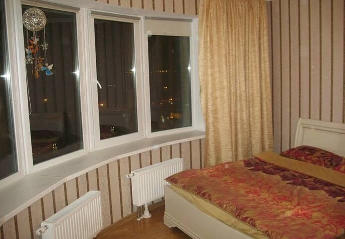 room in Hazel Crest