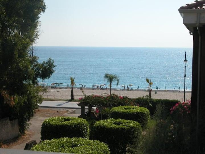 Calabria Costa Jonica (Appartamento 2 di 2)